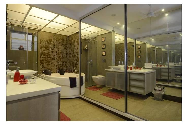 Jaiswal, Pune: modern Bathroom by CK Interiors Pvt Ltd