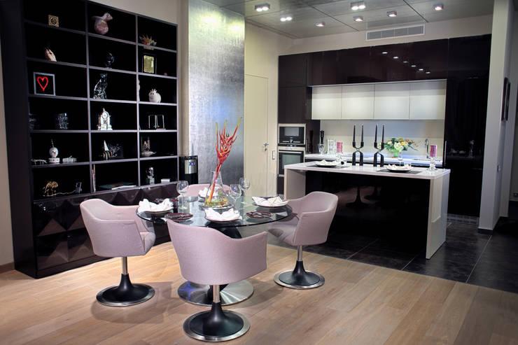 Квартира на Староильинской: Кухни в . Автор – Дизайн-студия «ARTof3L»,