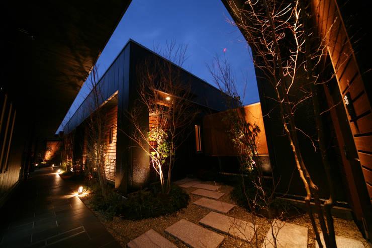 5F屋上離れ: 株式会社井上輝美建築事務所+都市開発研究所  aim.design studioが手掛けたホテルです。