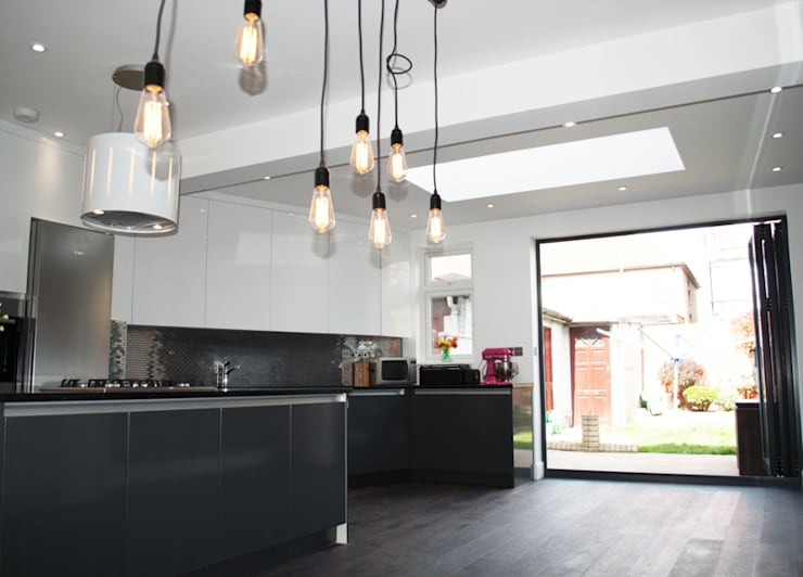 THE HANWELL CONVERSION: modern Kitchen by The Market Design & Build