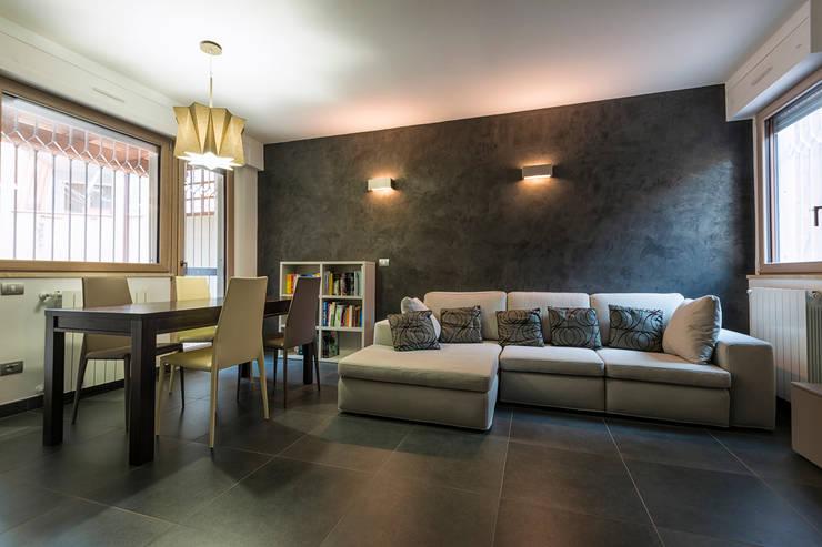 Villa a schiera Roma: Soggiorno in stile in stile Moderno di Laura Galli Architetto
