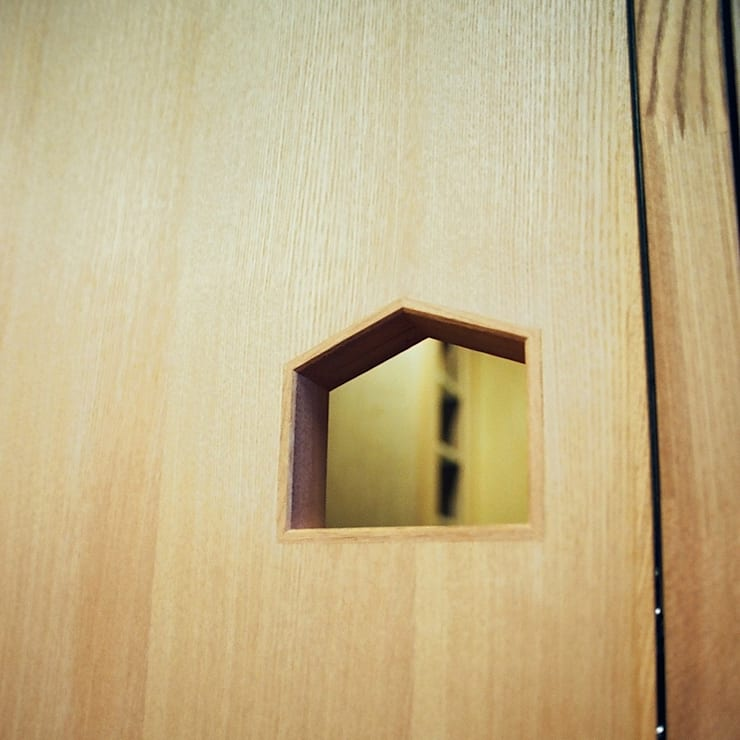 透き抜ける家: 麻生建築設計工房が手掛けた窓です。,