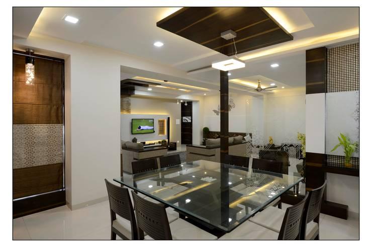 interiors:  Dining room by Spacemekk Designers p.LTD