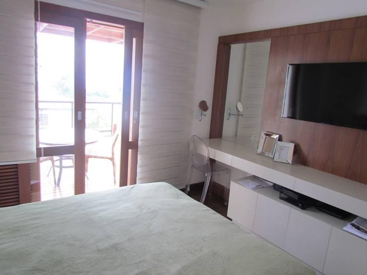 Dormitório Casal: Quartos  por Ana Donadio Arquitetura