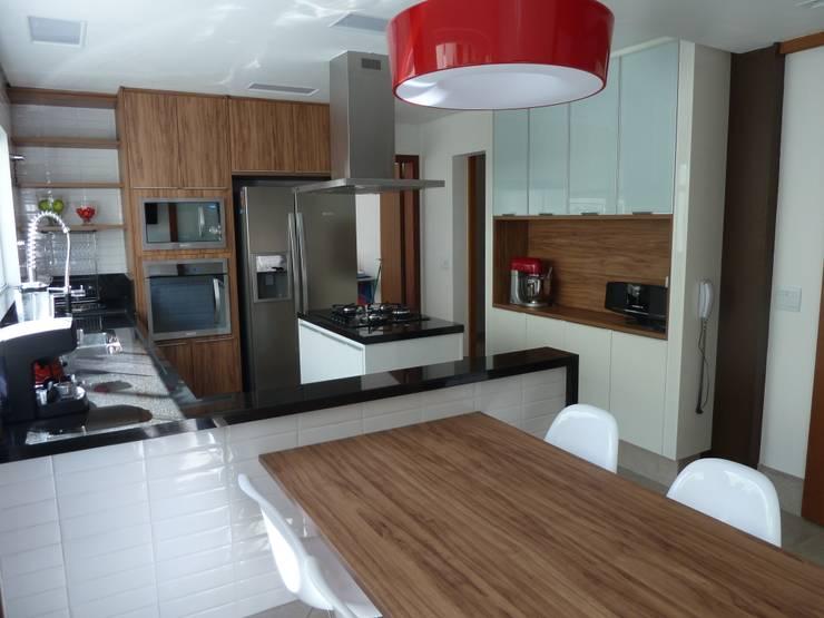 Cozinha: Cozinhas  por Ana Donadio Arquitetura