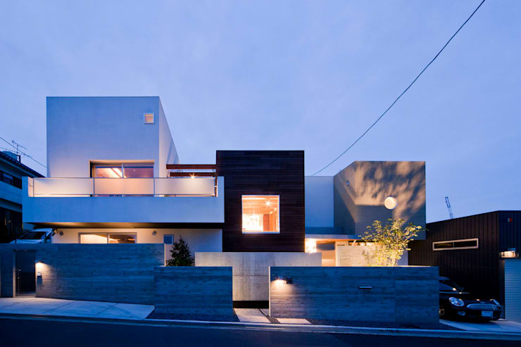 Rumah oleh MAY COMPANY & ARCHITECTS, Modern