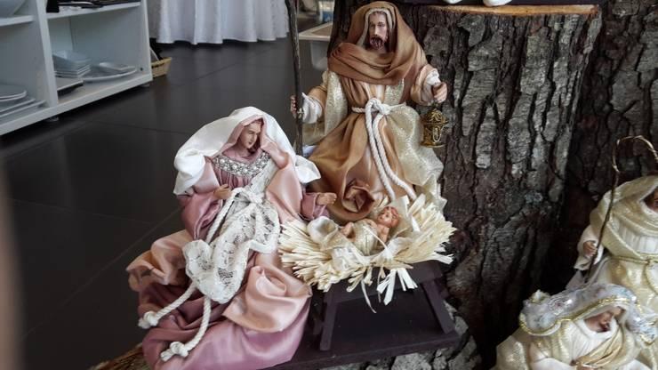 Sagrada Família Mariane: Casa  por Maravilhas do Berço Lda