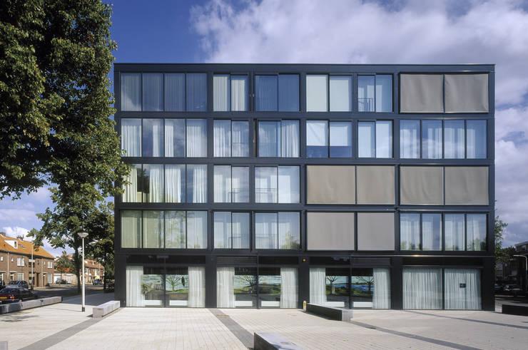 Casas de estilo  por JMW architecten, Rústico