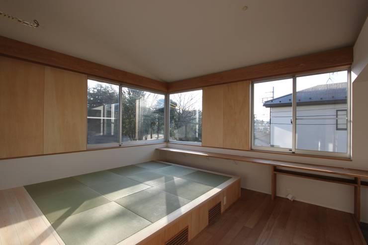 青葉台の家 : shibuyaが手掛けた寝室です。,