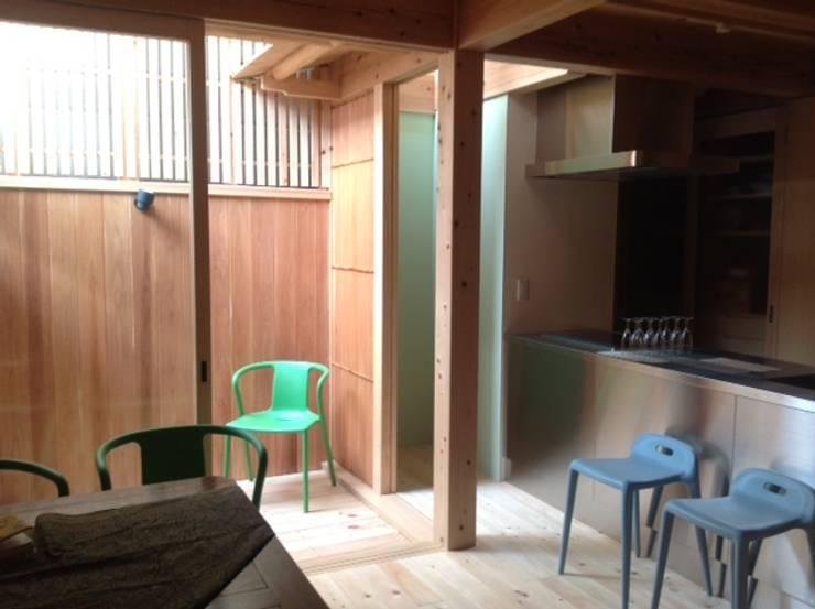 五条の森の町家 : シィエル・ルージュ・クレアシオン(CRC)が手掛けたキッチンです。,モダン