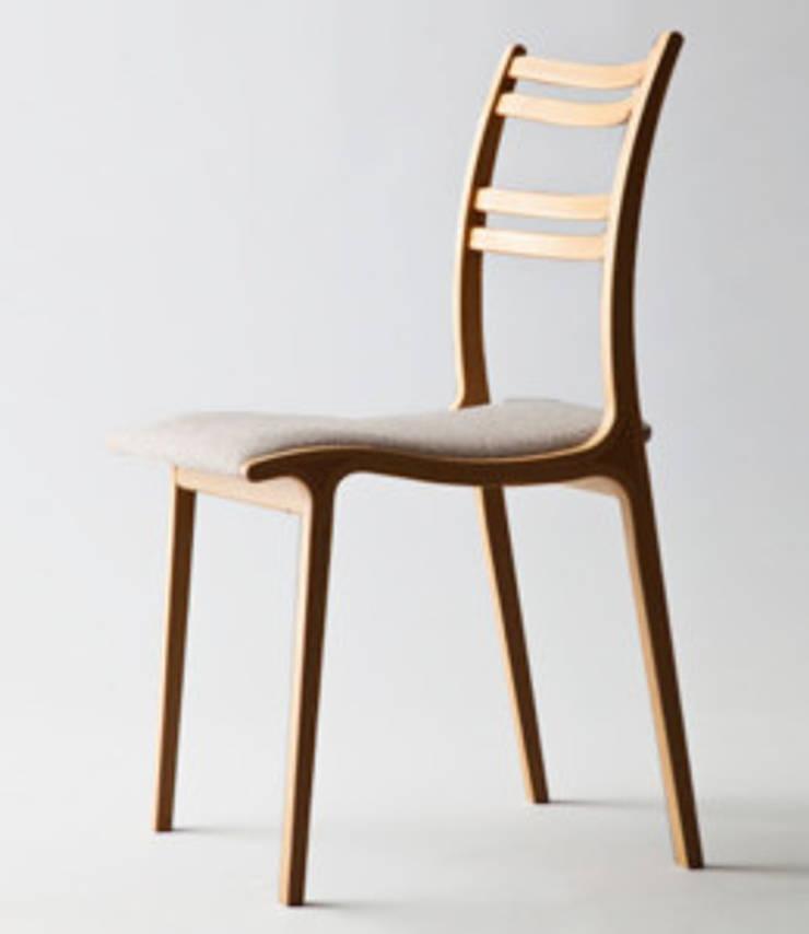 Calm: TANIGAWA STUDIO 家具デザインが手掛けた現代のです。,モダン