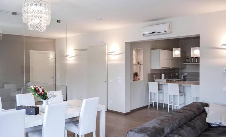 nova House: Soggiorno in stile in stile Moderno di NCe Architetto