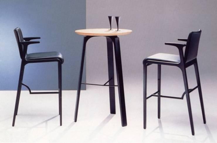 食堂イス: TANIGAWA STUDIO 家具デザインが手掛けたダイニングルームです。