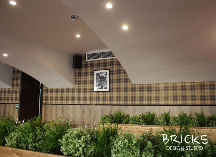 Точка общественного питания на улице Захарьевская: Ресторации в . Автор – Bricks Design