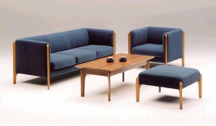 Marte dining & living: TANIGAWA STUDIO 家具デザインが手掛けたリビングルームです。