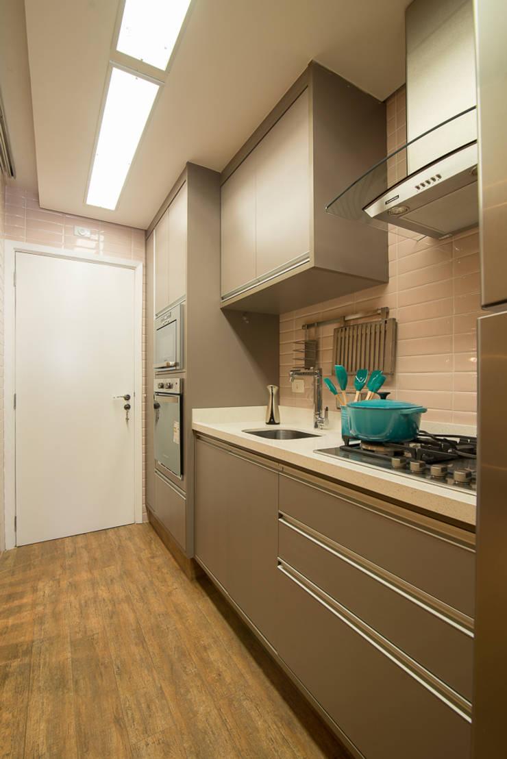 Cozinha: Cozinhas  por Madi Arquitetura e Design