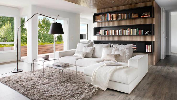 Lámpara de pie Italiana: Livings de estilo moderno por Griscan diseño iluminación