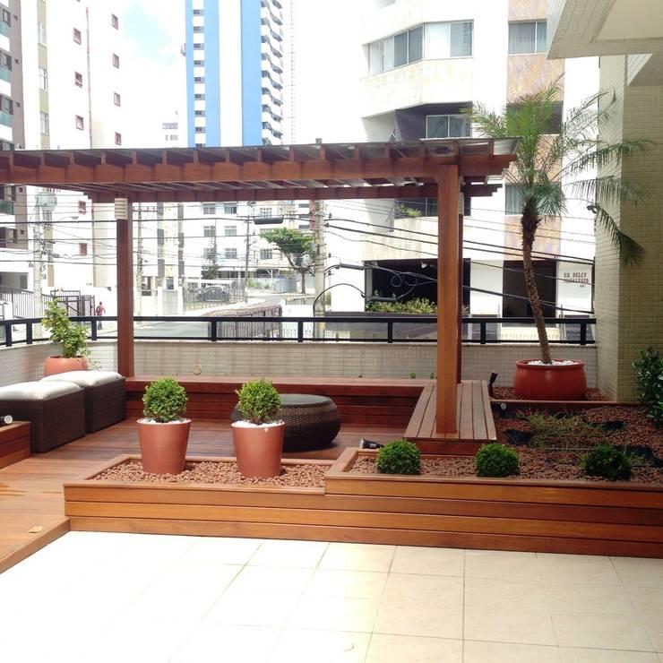 Terraços  por Atelier Plural