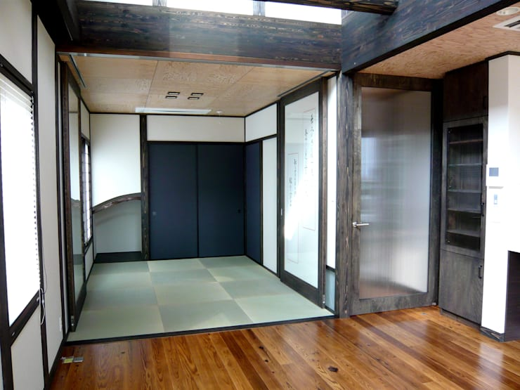都築の家: 設計工房 A・D・FACTORY 一級建築士事務所が手掛けた和室です。