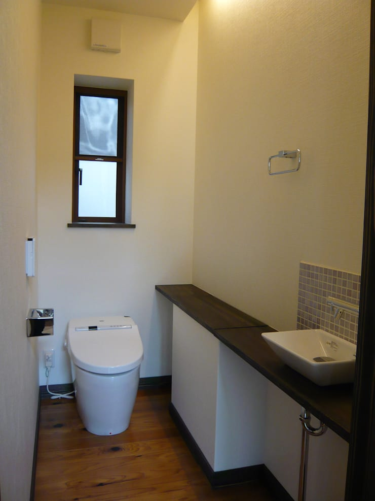 都築の家: 設計工房 A・D・FACTORY 一級建築士事務所が手掛けた浴室です。