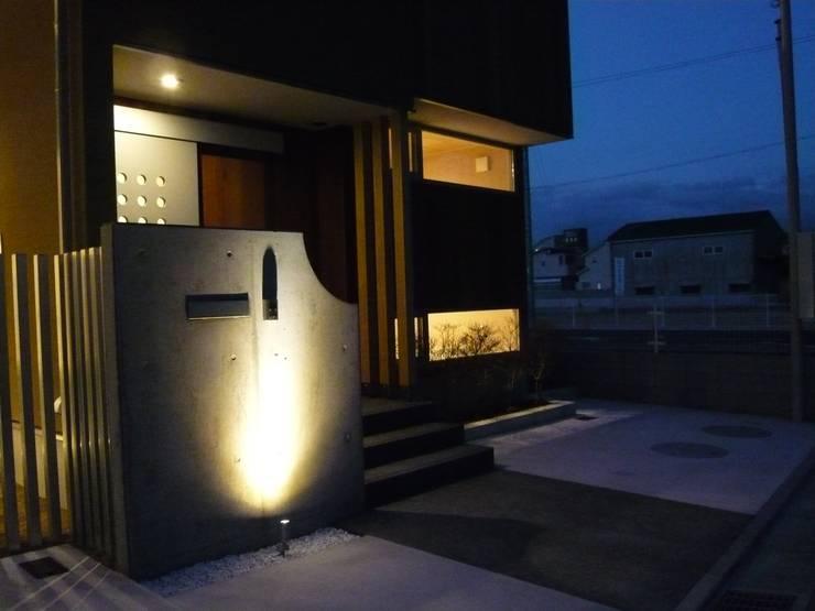 北野の稲穂庵: 設計工房 A・D・FACTORY 一級建築士事務所が手掛けた家です。