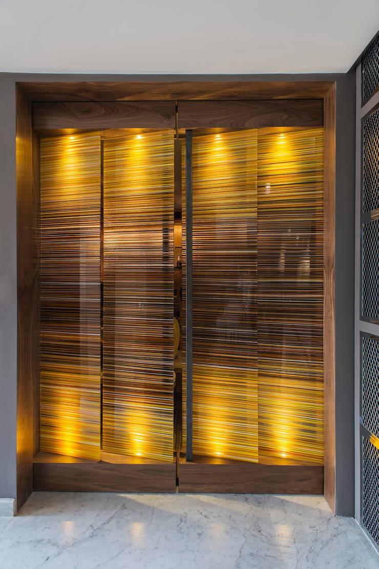 Barcodes: Edificios de Oficinas de estilo  por Studio Orfeo Quagliata