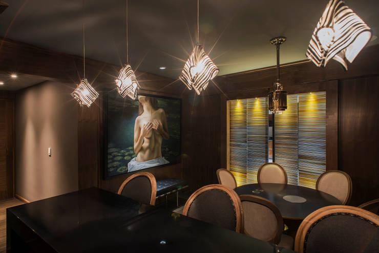 Jesco: Salas de estilo  por Studio Orfeo Quagliata