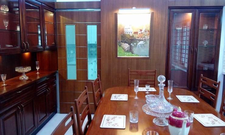 Bangalow: modern Dining room by homecenterktm