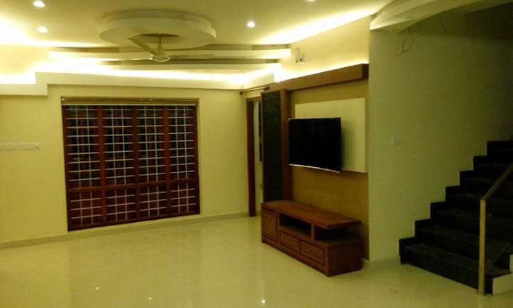 Bangalow: modern Living room by homecenterktm