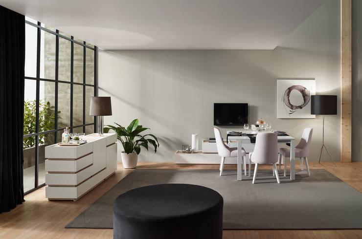 Moverel: Salas de jantar  por MOVEREL-Indústria de Mobiliário, SA