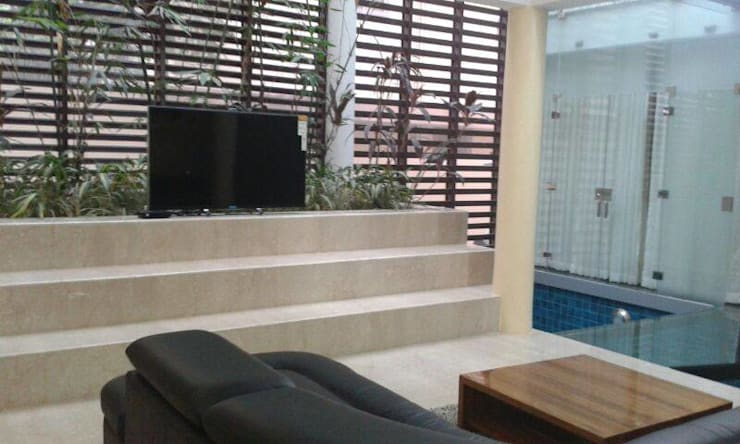 Commercial:  Walls by homecenterktm