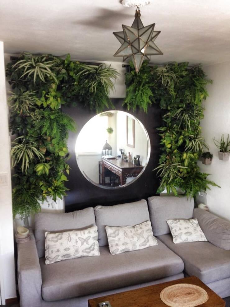 Interior de estudio: Jardines de estilo moderno por jardines verticales