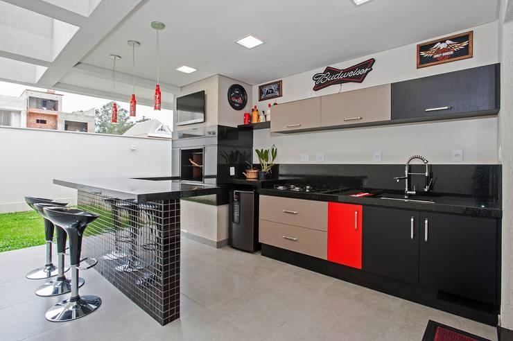 مطبخ تنفيذ Patrícia Azoni Arquitetura + Arte & Design