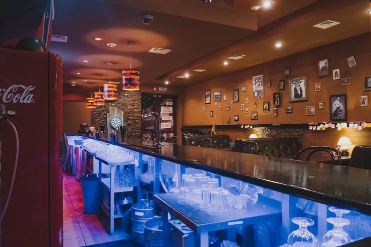 Кафе-бар  ул. Екатерининская  130 кв.м: Ресторации в . Автор – Дизайн студия fabrika,
