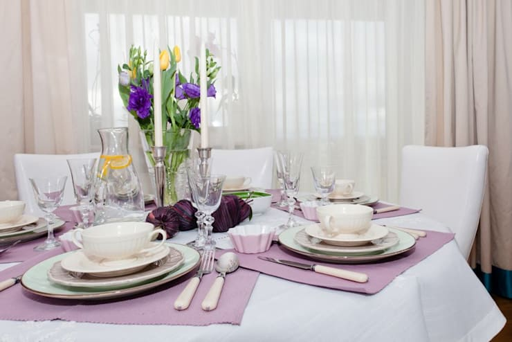 Jadalnia: styl , w kategorii Jadalnia zaprojektowany przez Viva Design - projektowanie wnętrz,Eklektyczny Tekstylia Złoty