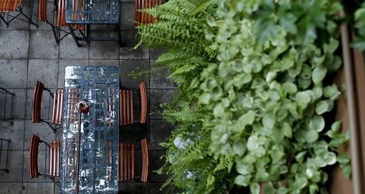 Restaurante Sustentável - Ibérico: Varanda, alpendre e terraço  por BF Sustentabilidade, Arquitetura e Iluminação