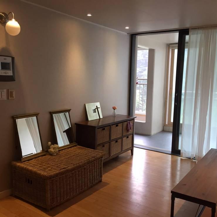 용인 기흥구 상하동 쌍용스윗닷홈: LK Design Company의  거실,모던