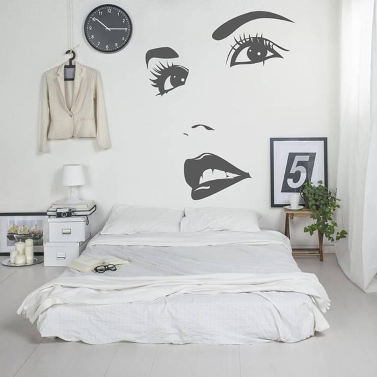 Camera da letto in stile in stile Moderno di Formafantasia