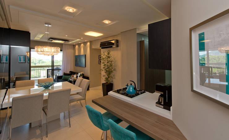 Apartamento Completo Itacorubi - M.N.B: Salas de jantar modernas por Kris Bristot Arquitetura