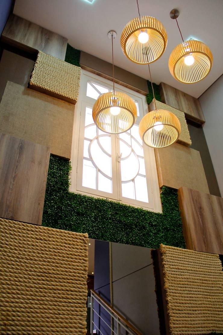 Painel Brasil: Lojas e imóveis comerciais  por Letícia Bowoniuk Arquitetura e Interiores