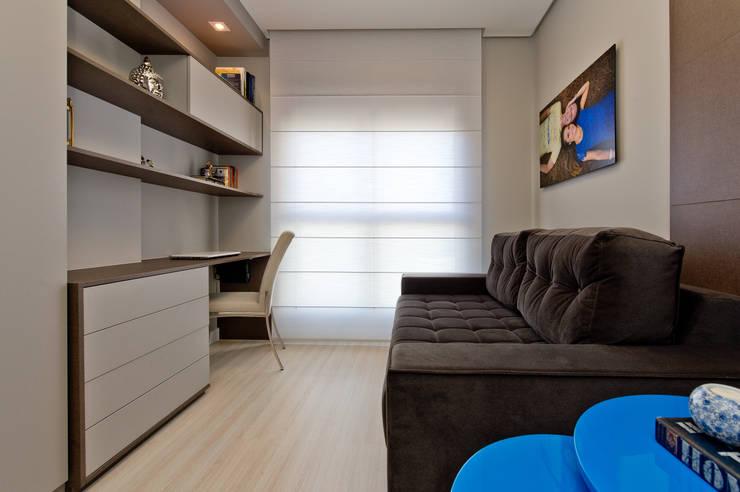 Apartamento Completo Itacorubi – M.N.B: Escritórios  por Kris Bristot Arquitetura
