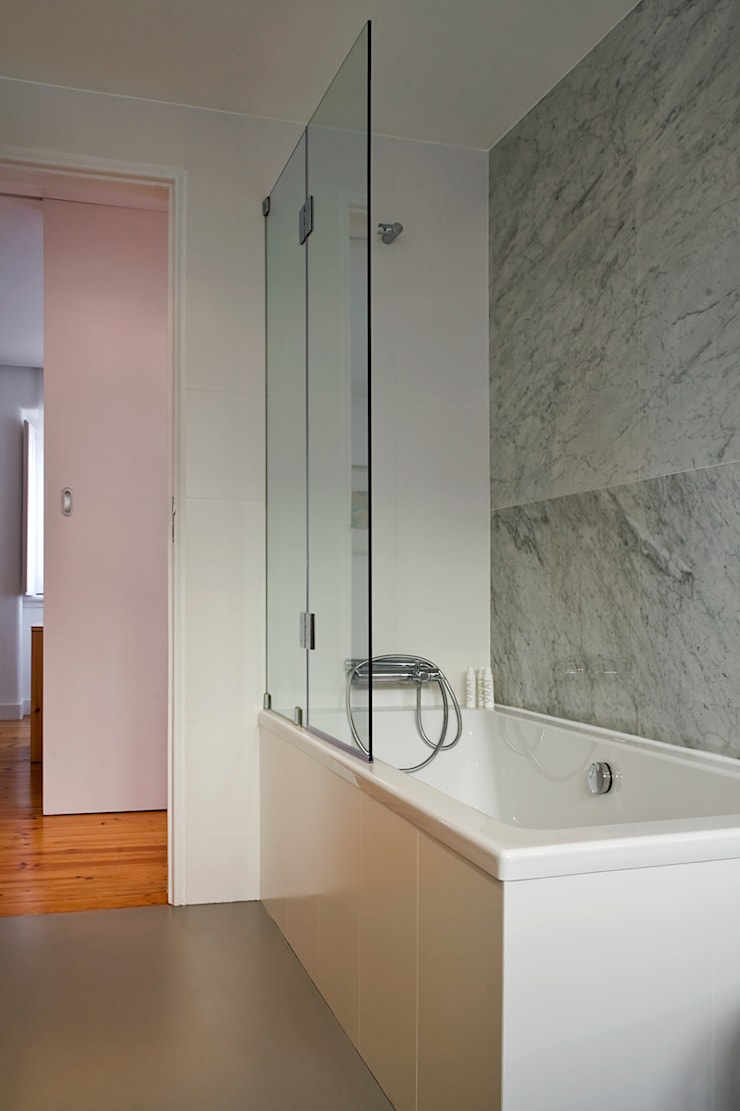 Apartamento CT: Casas de banho  por involve arquitectos