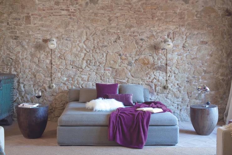White Italy collection.: Camera da letto in stile in stile Classico di Gi Gambarelli