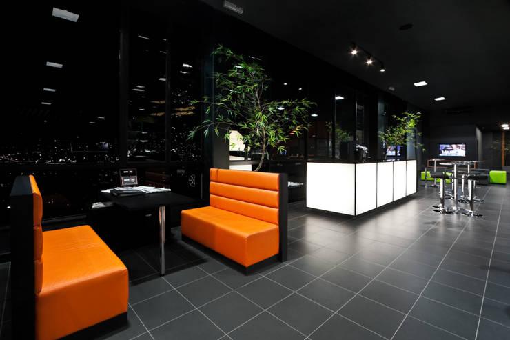 Concessionarie d'auto in stile  di Dubal Arquitetura e Design,