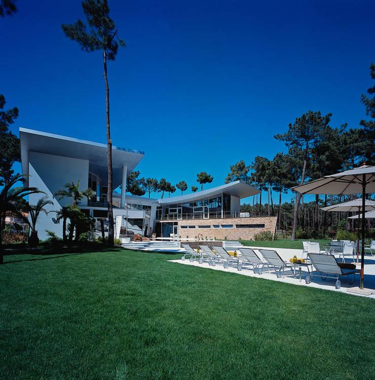 Casa SONHOS | SONHOS House – Aroeira – Sul de Lisboa:   por EAO - PORTUGAL  ARQUITECTURA