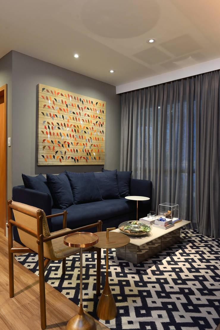 Apartamento pequeno - 43m²: Salas de estar  por Moreno e Brazileiro | Arquitetos