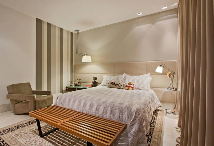 Projekty,  Sypialnia zaprojektowane przez Dubal Arquitetura e Design