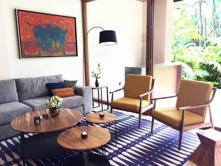 Amacuzac: Salas de estilo  por Gran Llave Studio 'tu acceso al mundo del diseño'