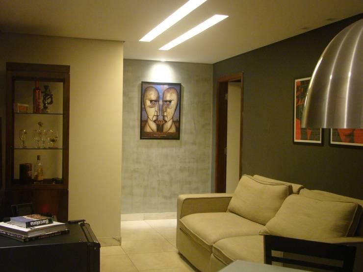 Iluminação teto.: Salas de estar  por juliana lana e oziel alvernaz