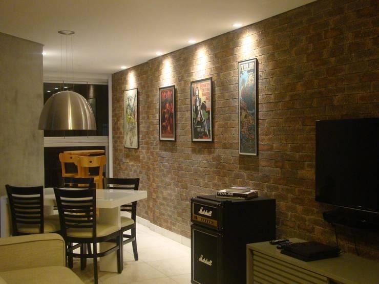 Iluminação de destaque: Salas de jantar  por juliana lana e oziel alvernaz